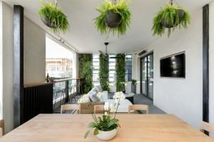 the-block-2016-kim-and-chris-terrace-balcony-4